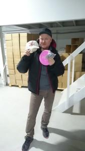 Sukkersøte Lars Somby fra Muselunden med sin nyvunnede Merked Diskgolf caps
